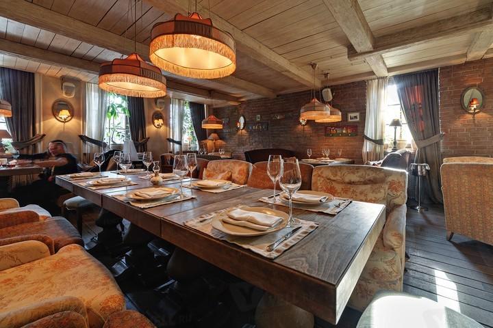 Ресторан Тинатин - фото интерьера