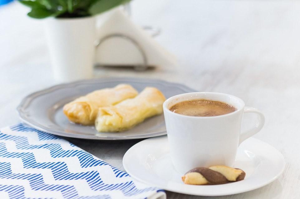 Кофе и десерты в Порто Миконос
