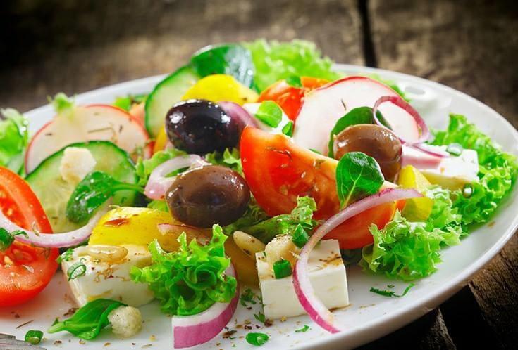 Салаты из самых свежих продуктов в караоке Брюсофф
