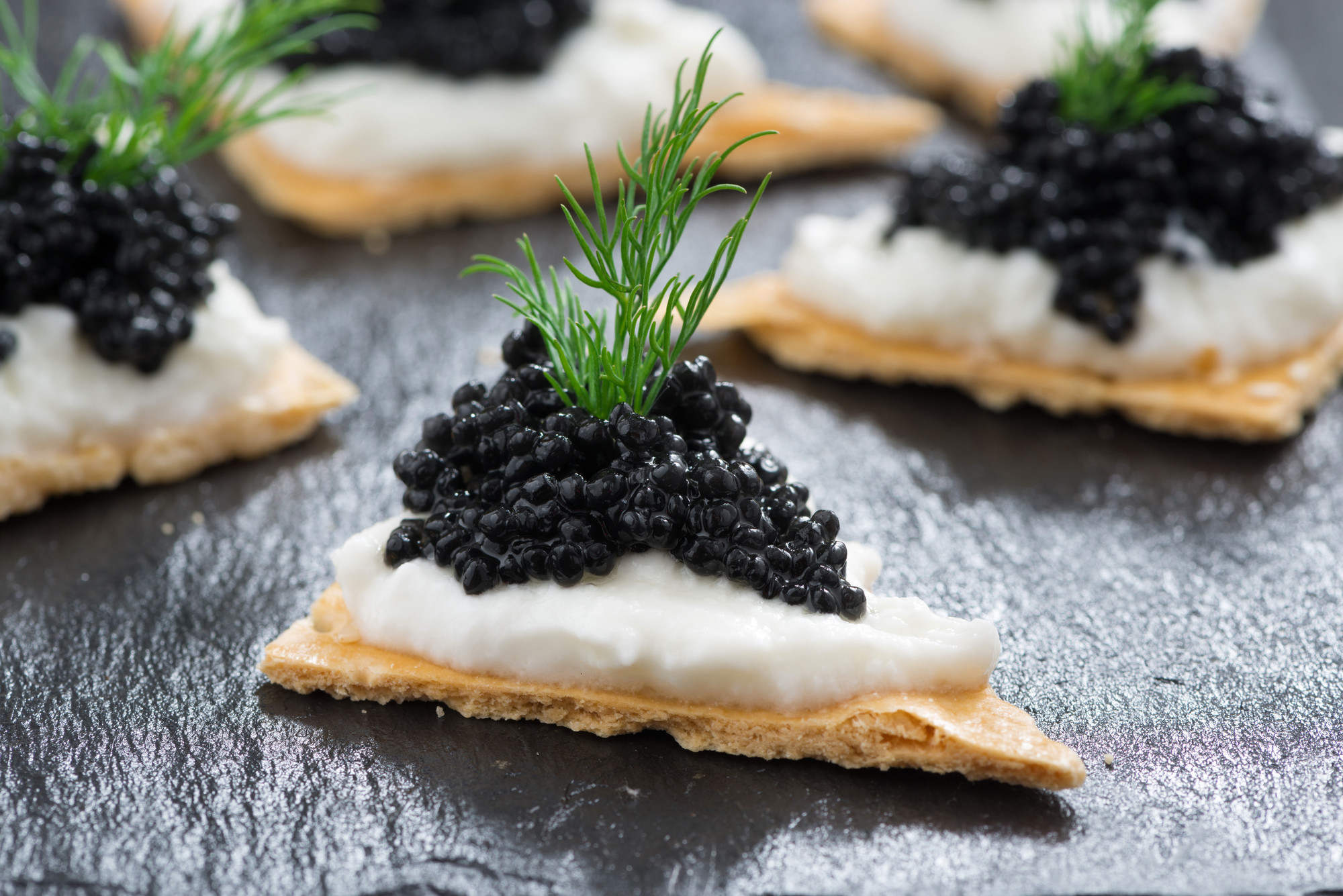 Из грязи в князи: 6 деликатесов, которые раньше были едой бедняков