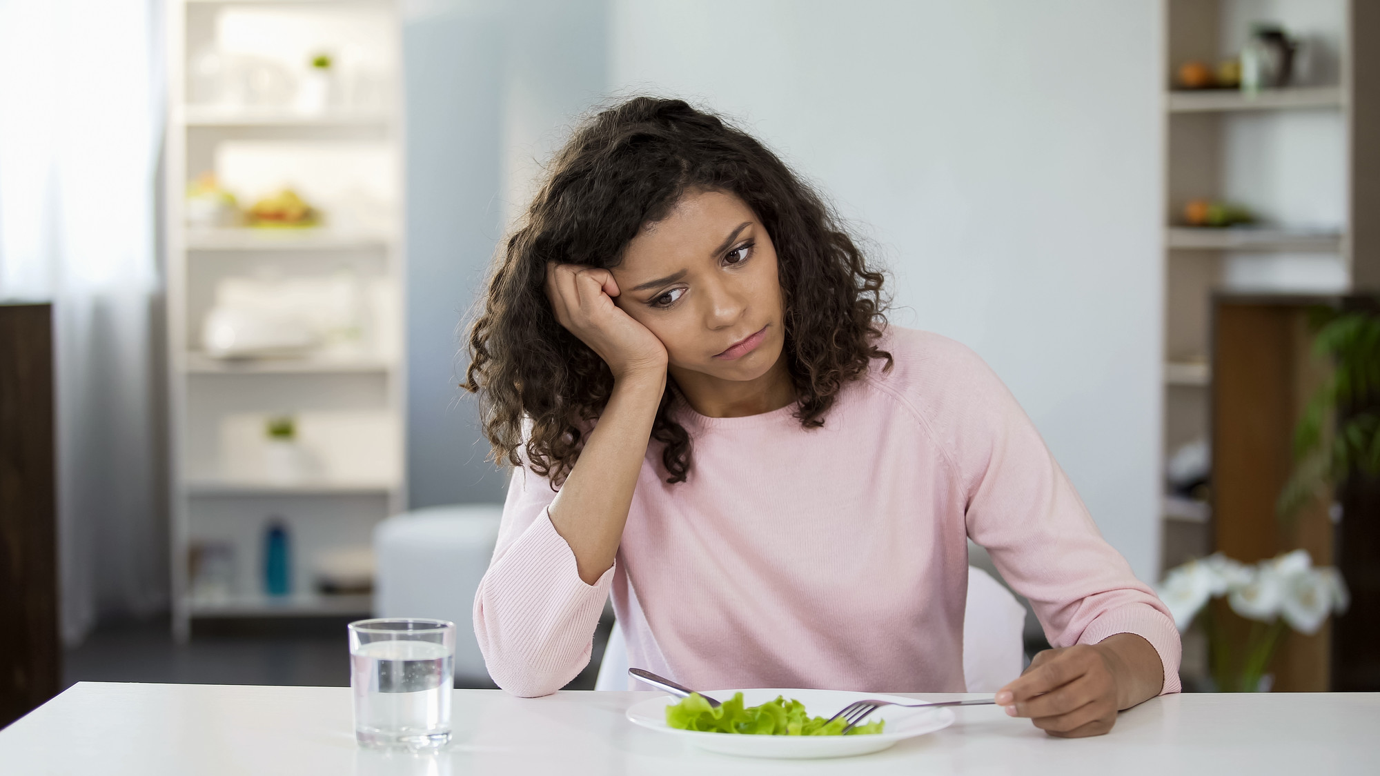 Вкус грусти: какая еда может вызвать депрессию